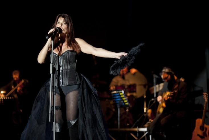 La donna partenopea di Monica Sarnelli al Teatro Nuovo - aSalerno.it