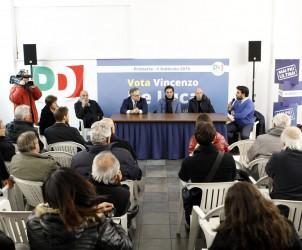 15 01 2015 Salerno Piazza Sedile Portarotese Inaugurazione Comitato De Luca per le Primarie