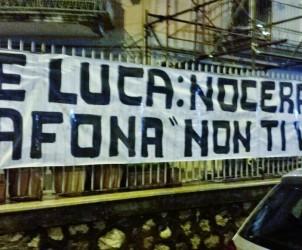 Striscione contro De Luca a Nocera Inferiore