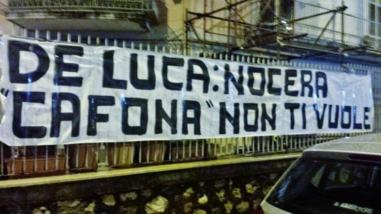 Striscione contro De Luca a Nocera Inferiore - aSalerno.it