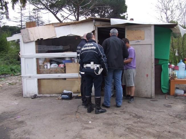 Sgomberato insediamento rom in via Picarielli - aSalerno.it