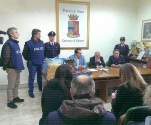 foto-conferenza-stampa-sequestro-90-kg-droga-e-arresto-marocchino