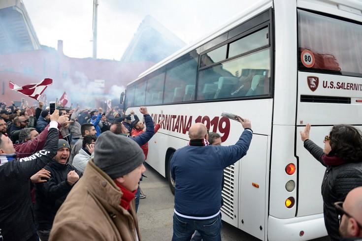 La carica dei 300 per il derby - aSalerno.it
