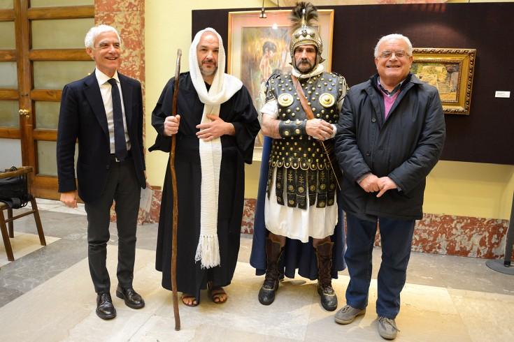 """Nel centro storico rivive la """"via Crucis"""" - aSalerno.it"""