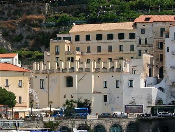Amalfi, la Curia sfratta il centro antidiabete - aSalerno.it