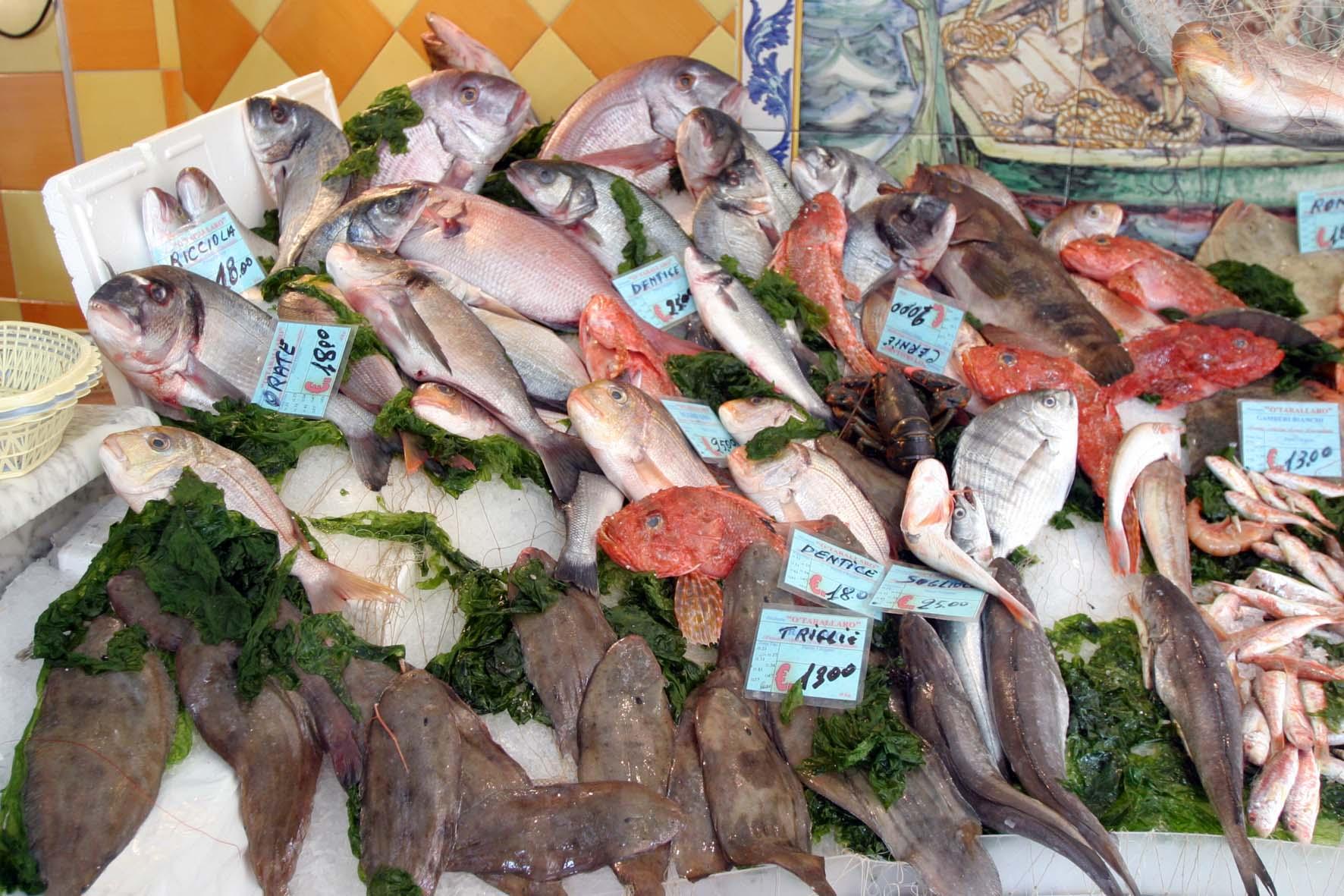 Blitz nelle pescherie, ritirati 10 tonnellate di prodotti ittici nel ...