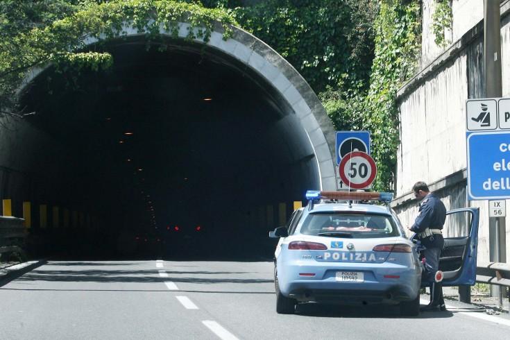 Eboli. Lungo inseguimento in autostrada arrestati slavi - aSalerno.it