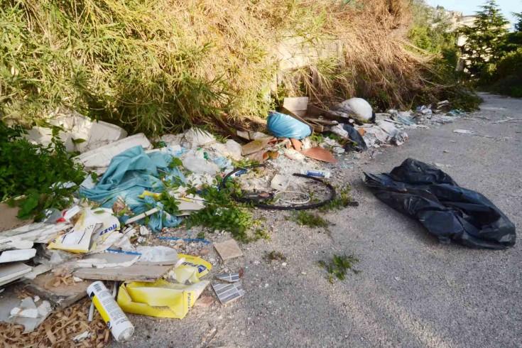 """Rifiuti in strada, l'Anas """"condannata"""" alla pulizia - aSalerno.it"""