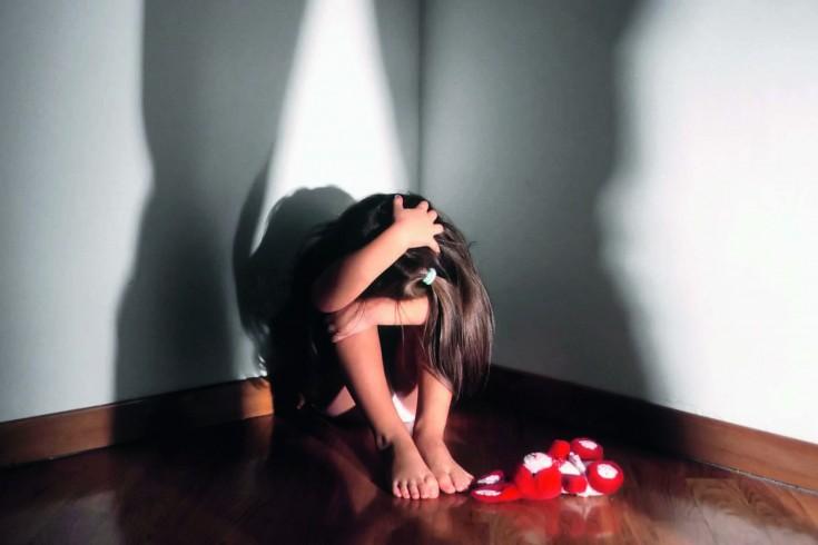 Cava de' Tirreni: 12enne costretta a guardare film porno dai genitori - aSalerno.it