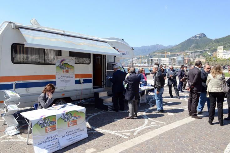 """L'Agenzia delle Entrate in """"camper"""" per i contribuenti salernitani - aSalerno.it"""