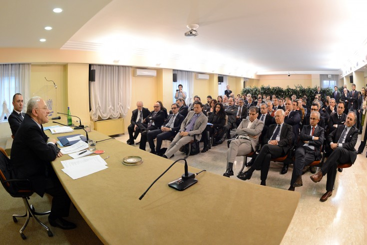 """De Luca a Confindustria: """"Sburocratizzazione e lavoro per rimettere in sesto l'economia"""". - aSalerno.it"""