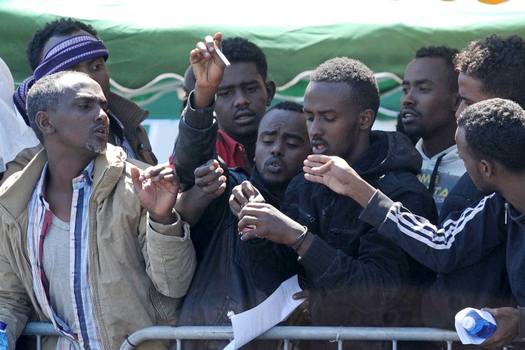 Immigrati bloccano la provinciale a Sicignano degli Alburni - aSalerno.it