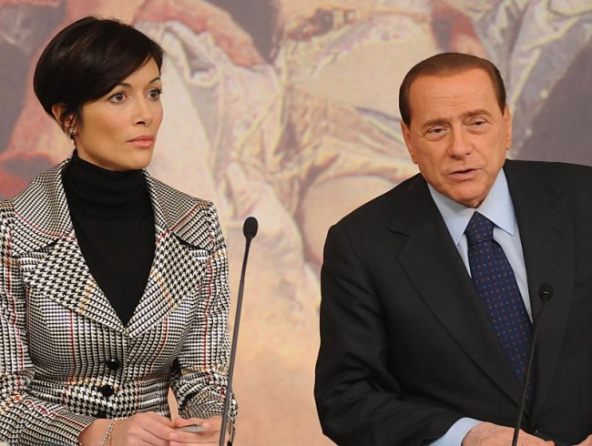 "Berlusconi ""arruola"" Mara Carfagna - aSalerno.it"