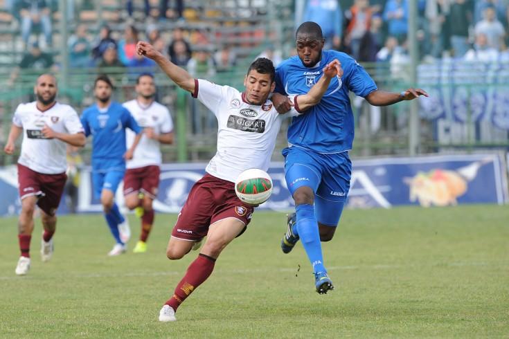 La Salernitana si aggiudica il derby di Pagani grazie all'autorete di Moracci - aSalerno.it