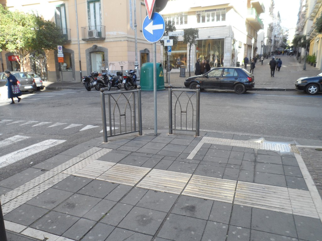 Errata pavimentazione Loges tra C.so Garibaldi e via Velia