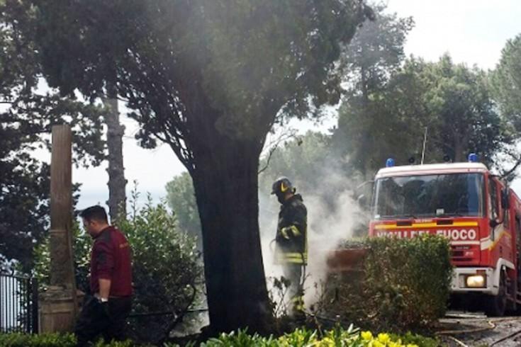 Vietri sul mare: in fiamme i giardini di Villa Guariglia - aSalerno.it