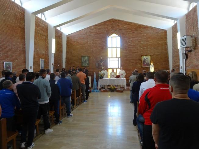 La statua della Madonna di Fatima entra nel carcere di Salerno - aSalerno.it