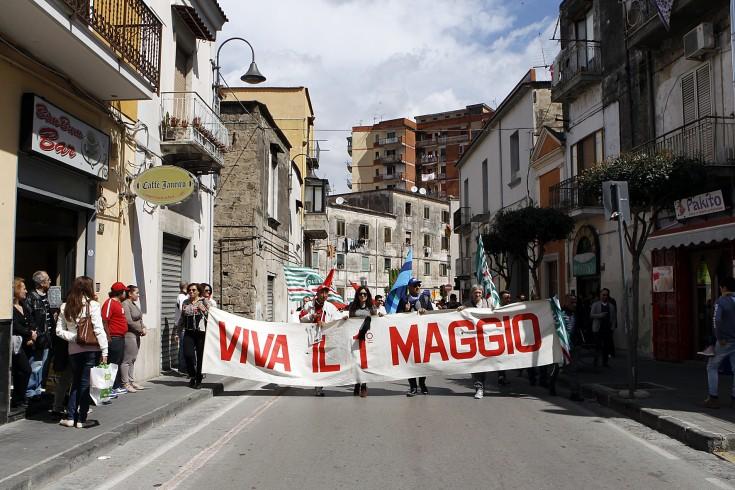 In difesa del lavoro al corteo del 1° maggio - aSalerno.it
