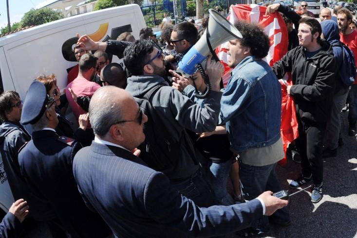 """La Flc Cgil di Salerno in piazza a Napoli,""""no"""" alla Legge 107/2015 - aSalerno.it"""