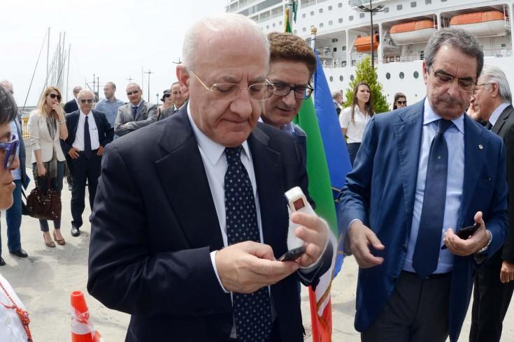 Frattura alla mano per Vincenzo De Luca - aSalerno.it