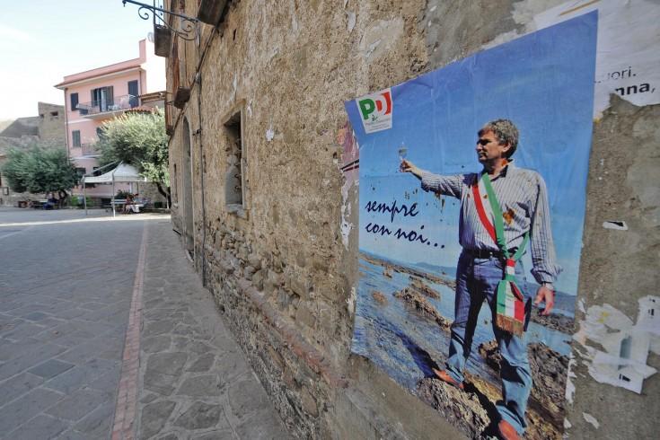 """Pulizia dei fondali marini nel nome del """"sindaco pescatore"""" - aSalerno.it"""