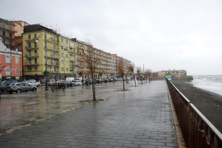 Salerno, anziano trovato morto in auto - aSalerno.it