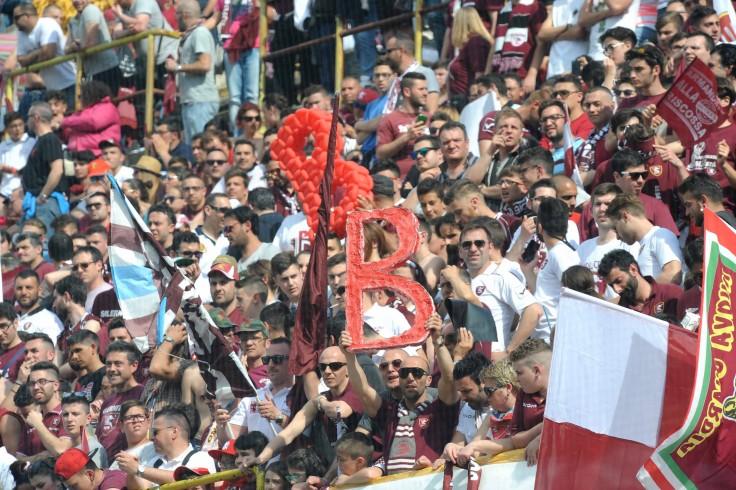 Salernitana-Casertana 1-1. Pubblico record e festa in campo - aSalerno.it