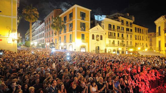 "Musica e shopping no stop per la ""Notte Bianca weekend"" - aSalerno.it"