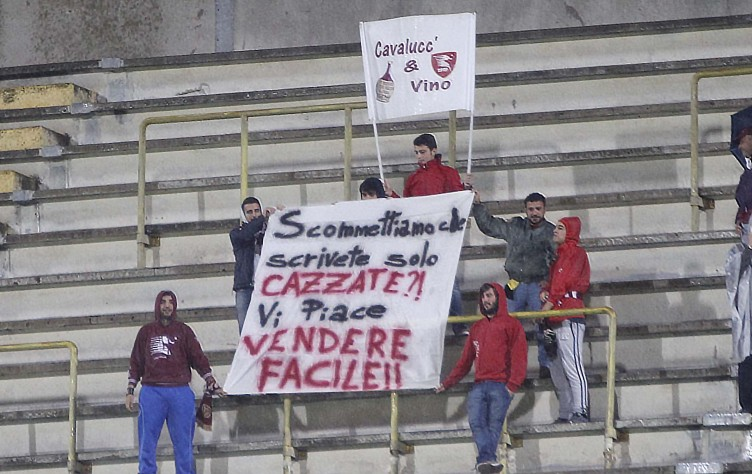 "Calcioscommesse, la curva sud ""snobba"" l'inchiesta Dirty Soccer - aSalerno.it"