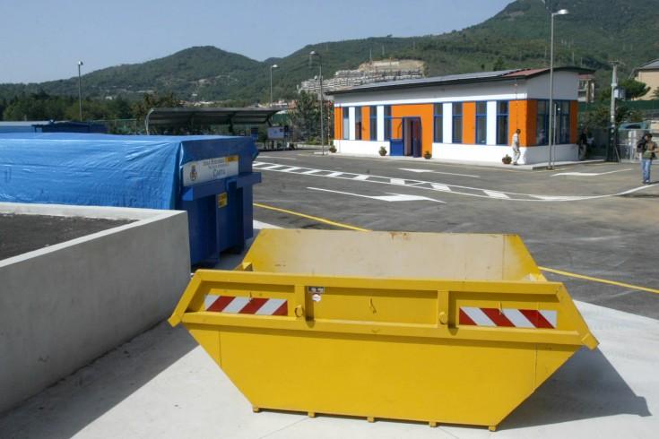 """""""Sicurezza dei lavoratori a rischio nell'isola ecologica di Fratte"""" - aSalerno.it"""