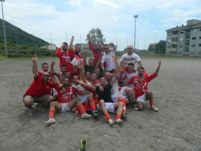 Terza Categoria, la Longobarda Salerno stappa lo spumante: il campionato è biancorosso - aSalerno.it