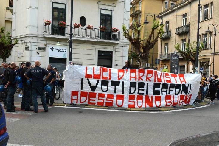 Cori e insulti contro De luca, 14 ultrà nocerini indagati - aSalerno.it