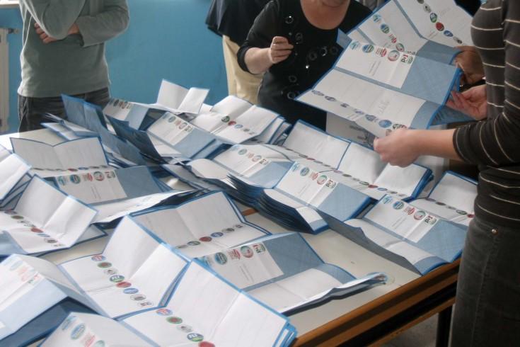 Detenzione illecita di materiale elettorale, un denunciato - aSalerno.it