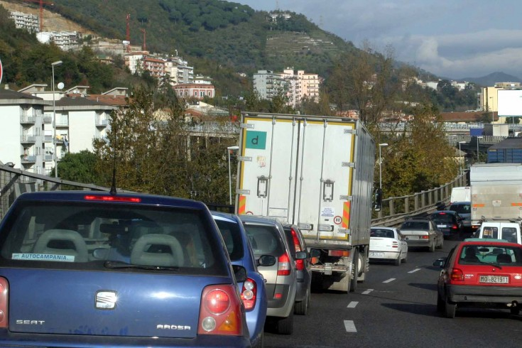 Salerno: incidente in tangenziale, traffico in tilt - aSalerno.it