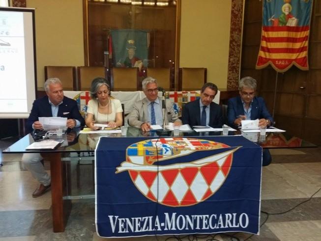 """La """"Venezia-Montecarlo"""" fa tappa a Salerno - aSalerno.it"""