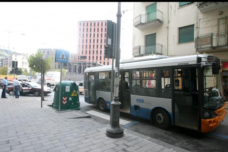 Sicurezza sui mezzi Cstp, sindacati chiedono vertice in Prefettura - aSalerno.it