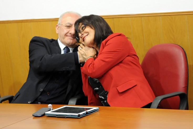 Vincenzo De Luca è sospeso dalla carica di governatore - aSalerno.it