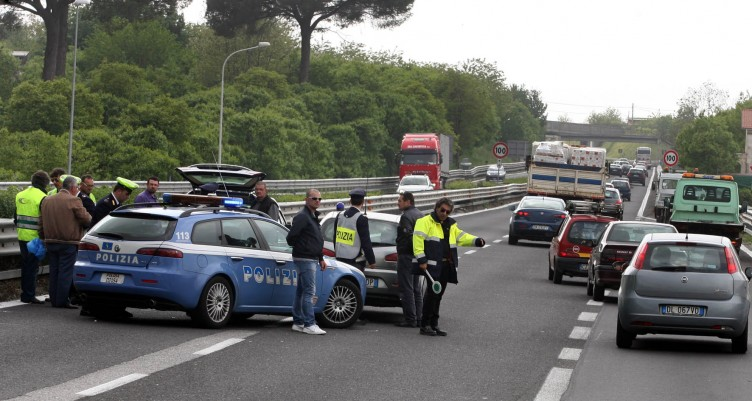 Incidente mortale sull'A3, si schianta contro il guard rail - aSalerno.it