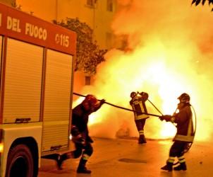 30 11 2014 Salerno via Paolo De Granita Incendio