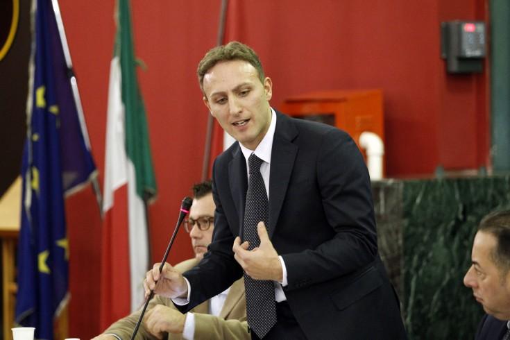 """Napoli:""""Per Salerno ci vogliono giovani, non escludo Piero De Luca"""" - aSalerno.it"""