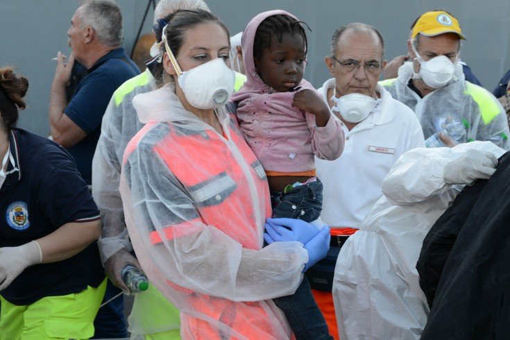 Emergenza immigrazione, a giorni un nuovo sbarco a Salerno - aSalerno.it