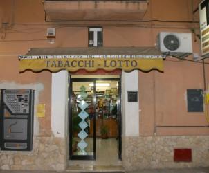 Sal : Tabacchi via Ostaglio 107 (foto Tanopress)