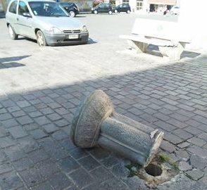 Divelta fontana alle spalle del comune, ipotesi di atto vandalico - aSalerno.it