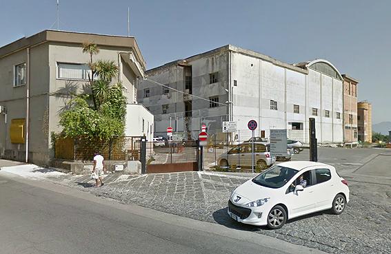 Caschi bianchi morosi, bloccate le telefonate alla polizia municipale - aSalerno.it