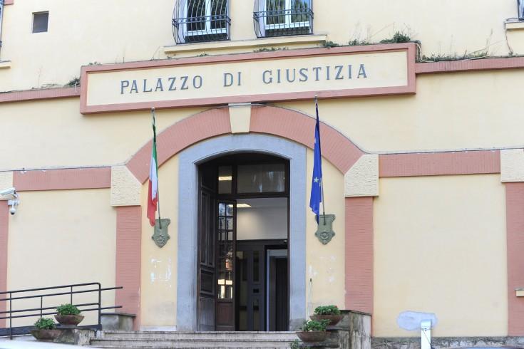 """Lite tra avvocati a Nocera, spunta un manifesto funebre: """"Si è spenta, il lieto annuncio dall'illustre avvocato"""" - aSalerno.it"""