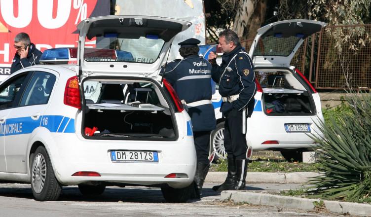 Salerno, ai vigili urbani più sicurezza: arriva il giubbotto antiproiettile - aSalerno.it