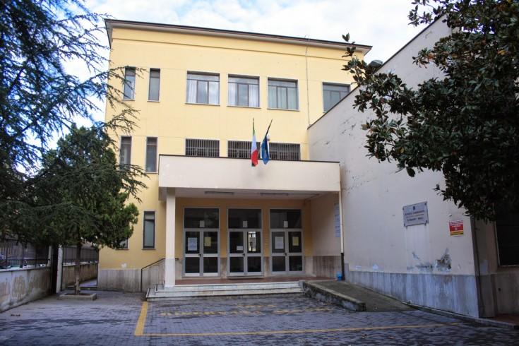 Scuola media Giacinto Romano, escono pagelle sbagliate - aSalerno.it