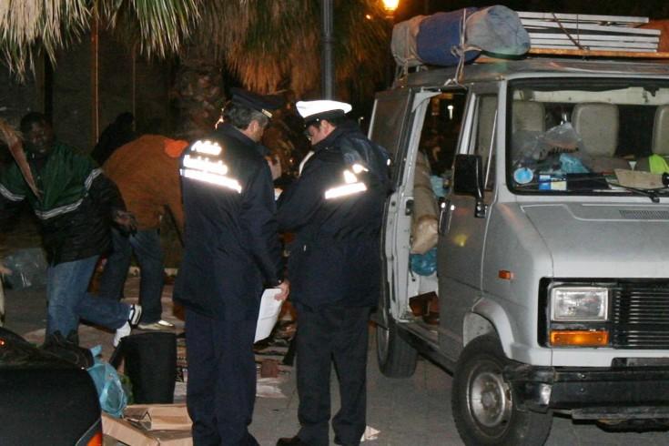 Rissa tra ambulanti abusivi in piazza della Concordia - aSalerno.it