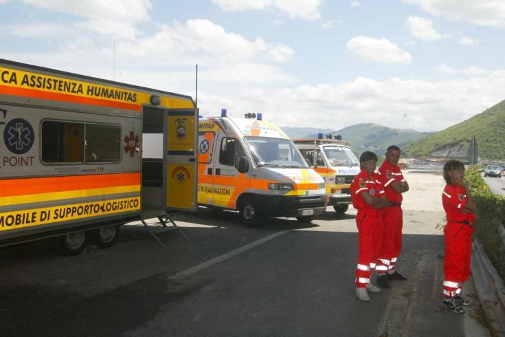 Angri, operatori del 118 chiusi fuori dagli anziani del centro diurno - aSalerno.it