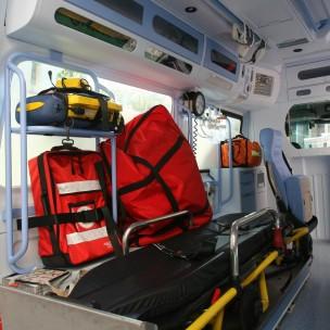 humanitas croce rossa ambulanza